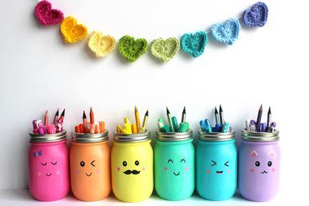 jars-pot-crayon