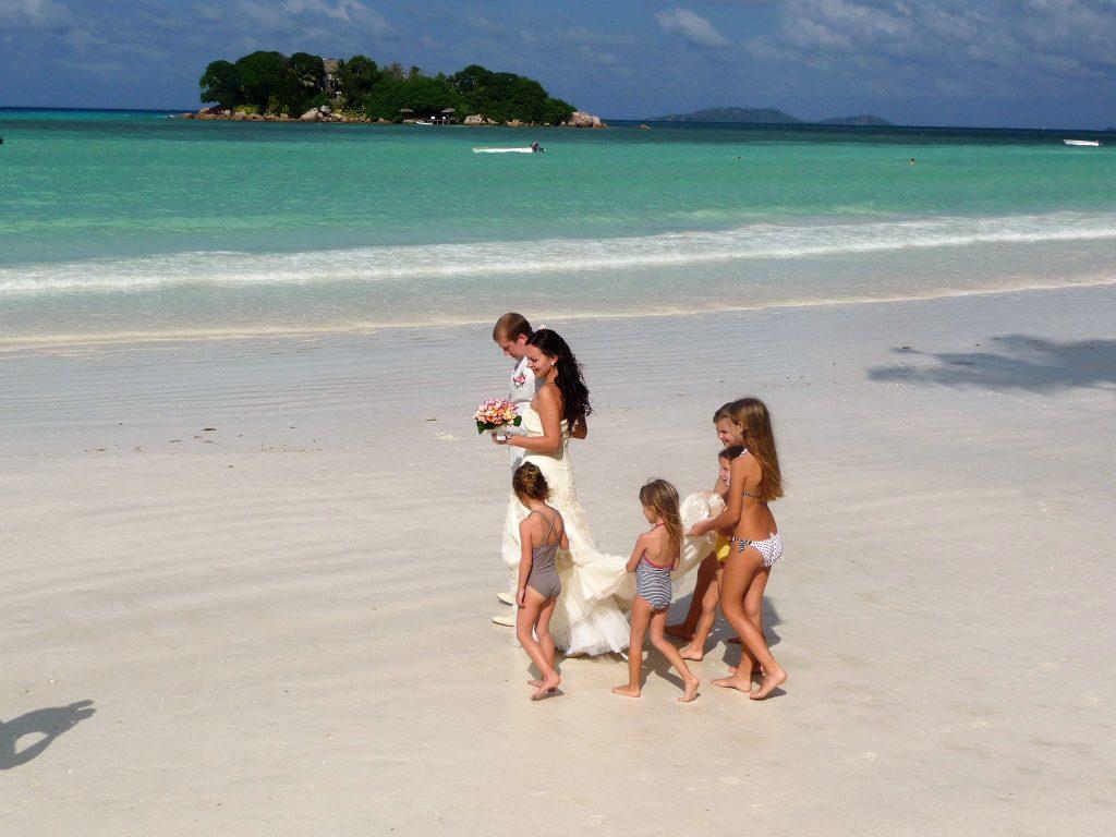 mariage sur la plage aux seychelles