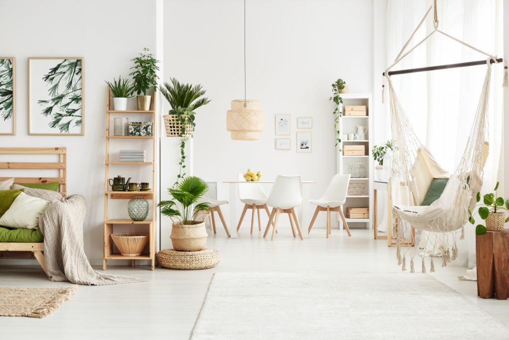 Chaises et fauteuils : lesquels choisir selon le style que je veux donner à ma pièce ?