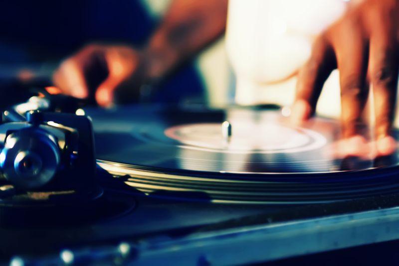 dj-musique-soirée
