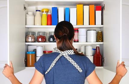 Faire les fonds de placard de la cuisine pour faire des économies