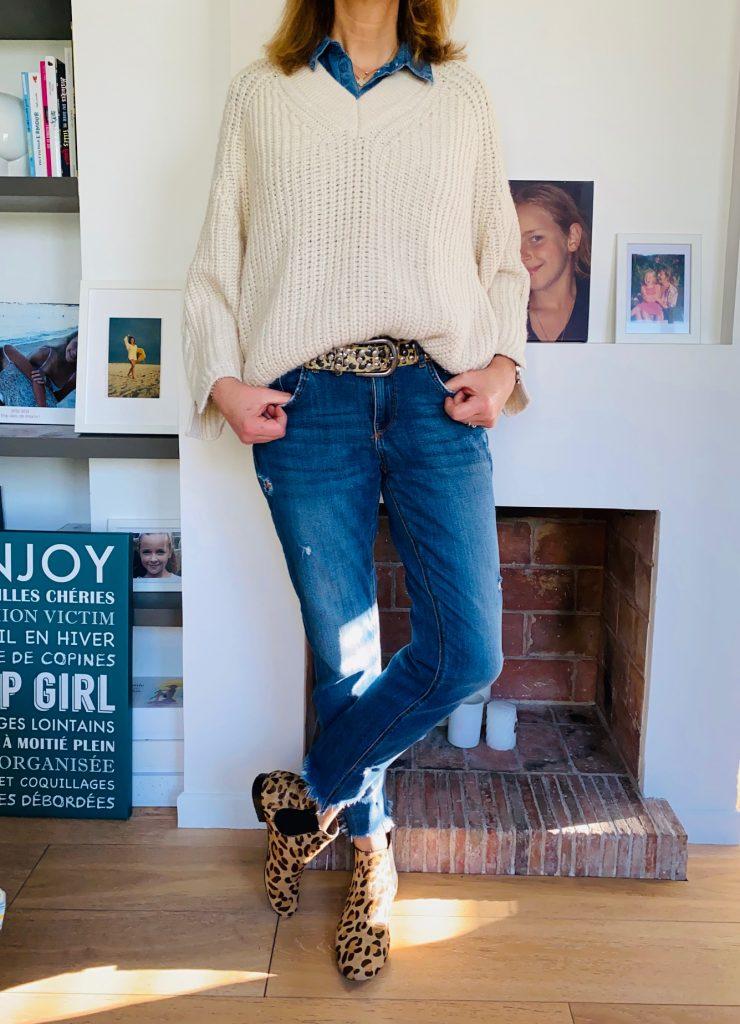 Gros pull et jean - look femmes Débordées