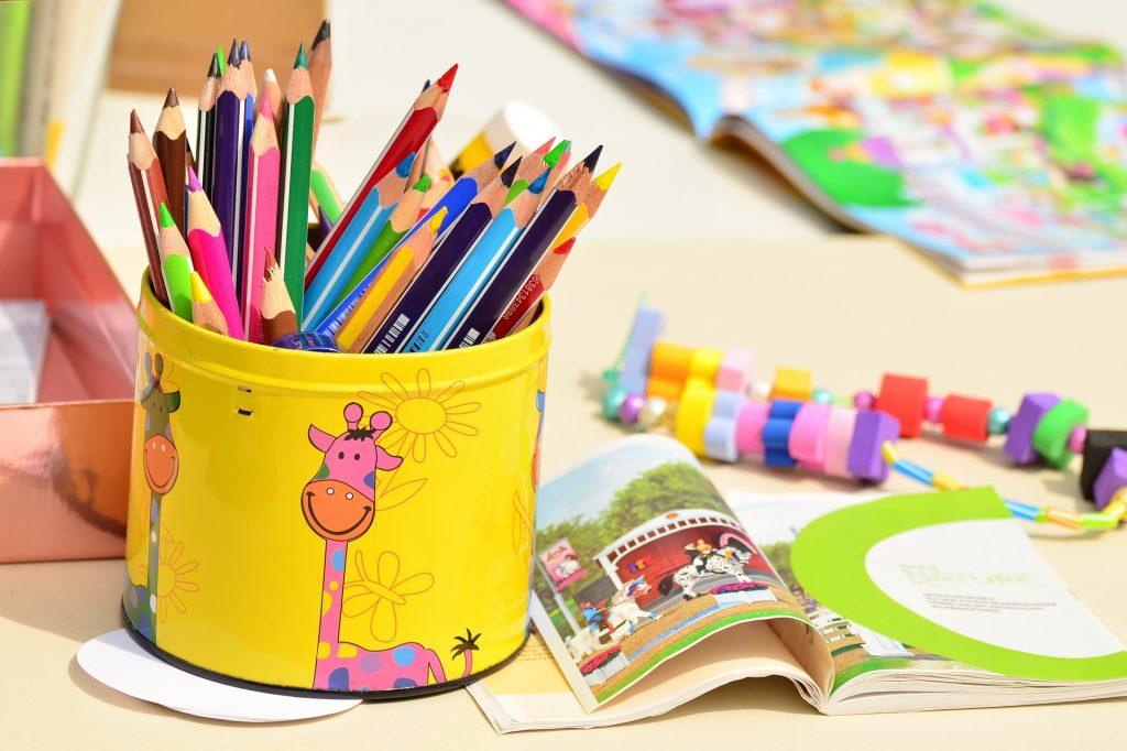 materiel-activites-manuelles-enfant