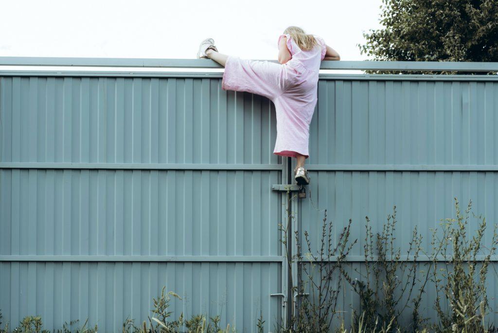 Comment surveiller la maison quand les enfants y sont seuls ?