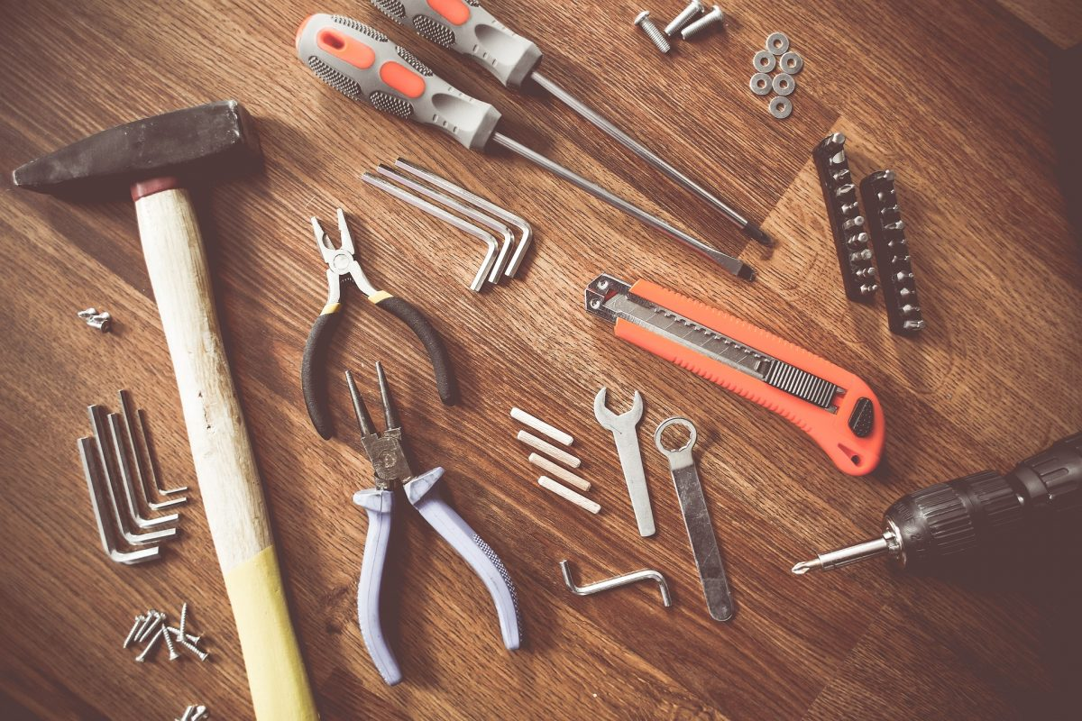 5 outils indispensables à avoir chez soi