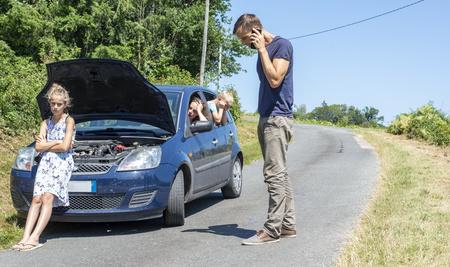 Les 5 trucs à vérifier avant de partir en voiture en vacances
