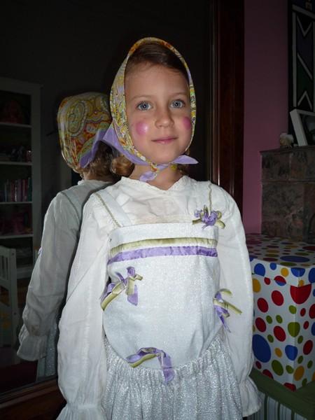 Petite suédoise déguisée en sorcière pour Pâques !