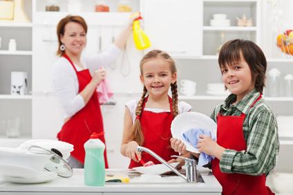 éducation anti-sexiste, partage des tâches ménagères