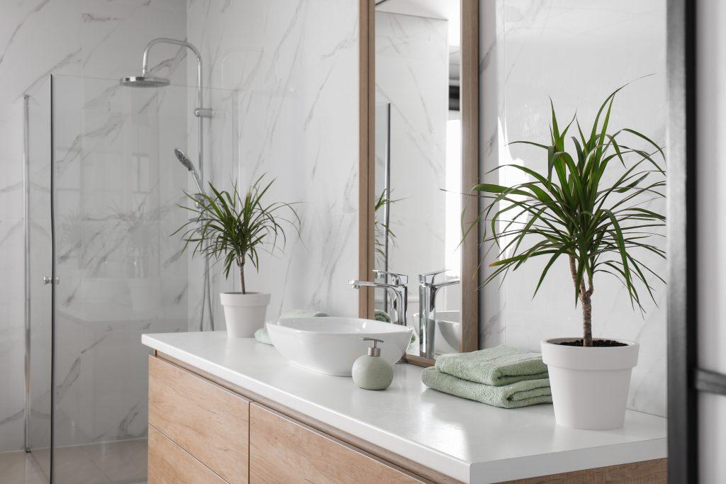 Comment moderniser sa salle de bain facilement avec un petit budget ?