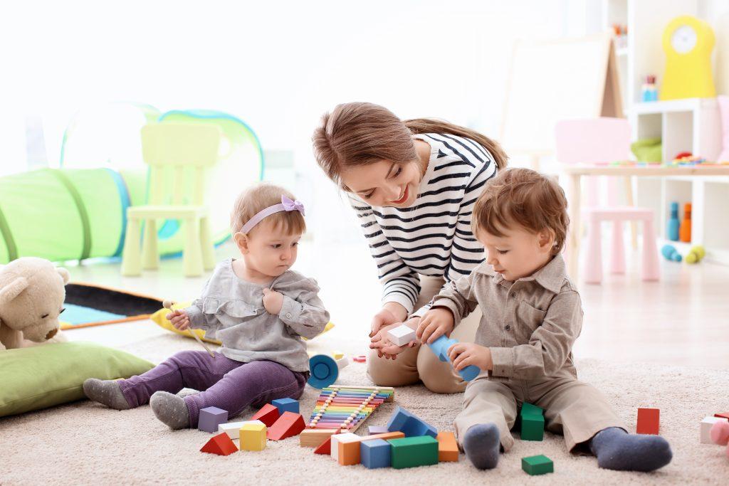 Les 10 trucs qui font que tu bénis ta baby-sitter
