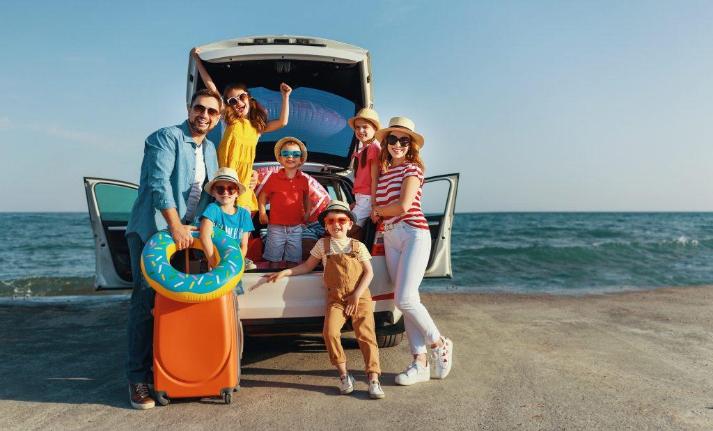 Vacances en famille recomposée: mode d'emploi pour éviter les dérapages