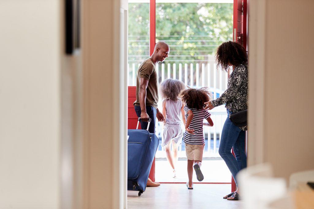 Les 10 trucs à faire dans la maison avant de partir en vacances