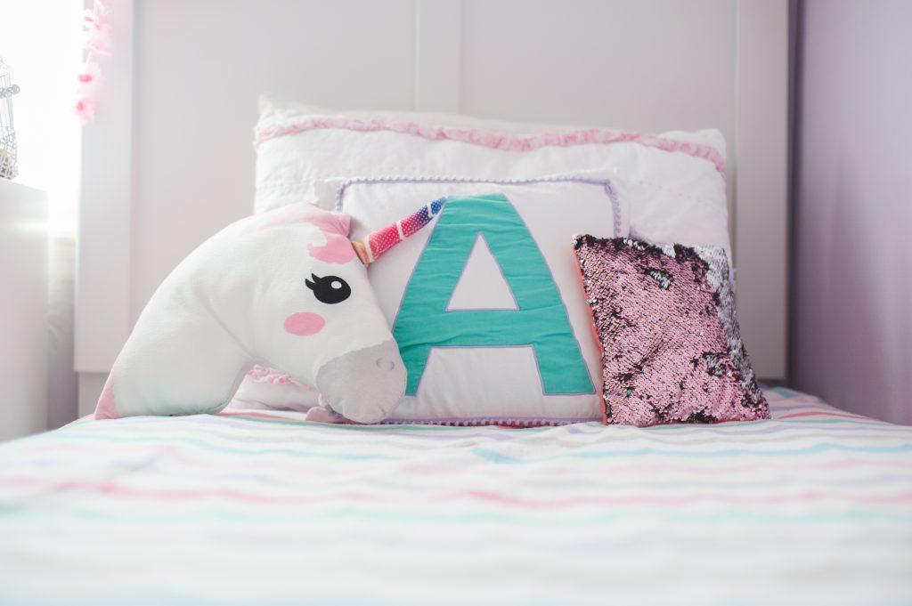 Ma fille rêve d'une chambre à la décoration licorne ! Mes 5 idées faciles et pas chères !