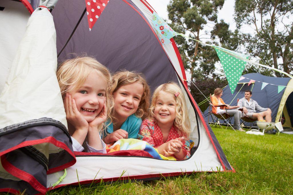 Tout ce qu'il faut savoir (et avoir) pour des vacances en camping réussies