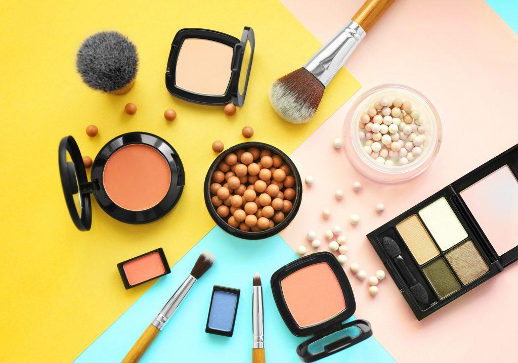 Où acheter des cosmétiques et parfums moins chers ?