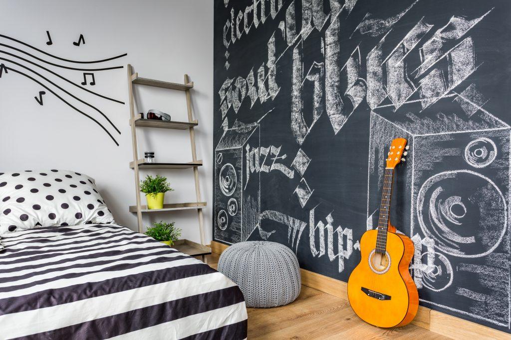 6 idées pour transformer une chambre d'enfant en chambre d'ado tendance sans se ruiner