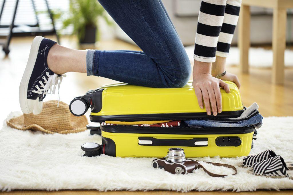 10 trucs pour voyager léger et assurer !