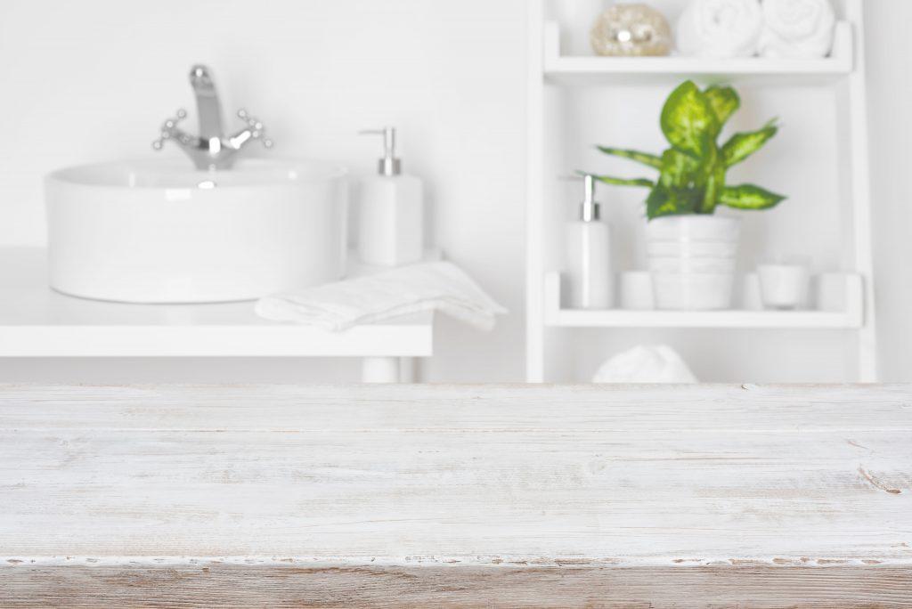 Optimiser une petite salle de bain avec 8 indispensables malins
