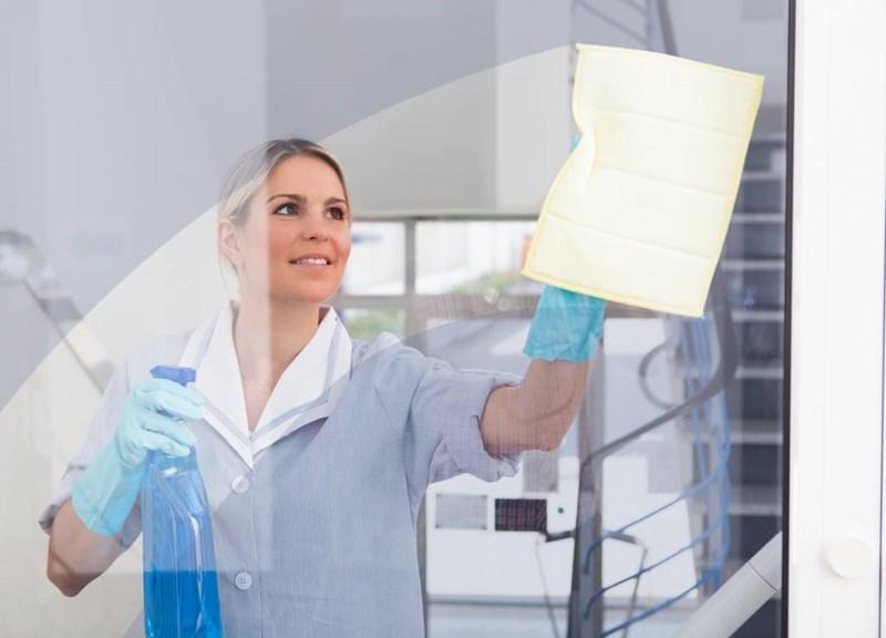 Les 5 raisons pour lesquelles ça vaut vraiment le coup d'opter pour une femme de ménage même si ça demande un sacrifice financier...