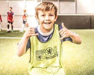 Anniversaire d'enfant à Paris et en région parisienne: foot party à l'Urbansoccer